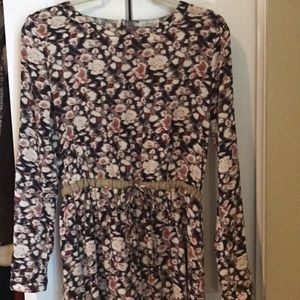 Floral print dress with cinched waist
